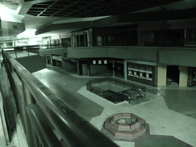 Abandoned Mall Right Down The Street From Where I Grew Up - 30 haunting images abandoned shopping malls