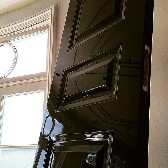 Piano black doors - Luxury to the max. No detail left out. 17 layers of hand buffed piano black finish on doors in this 22 uber lux FR mansion. & 315 best ドア images on Pinterest | Door handles Door knobs and ... Pezcame.Com