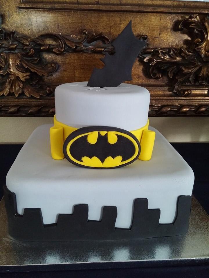 25 Best Ideas About Batman Grooms Cake On Pinterest