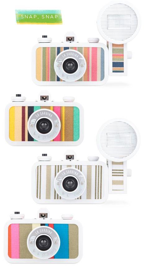 La Sardina Cameras. I kinda want one. Although I would never, ever get the film developed.