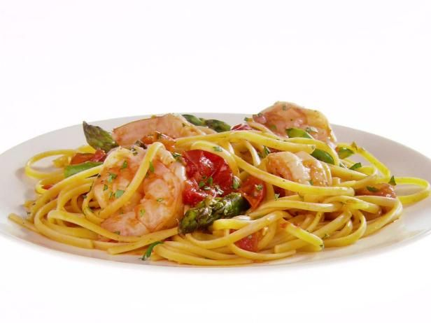 Get Giada De Laurentiis's Linguine with Shrimp, Asparagus and Cherry Tomatoes Recipe from Food Network