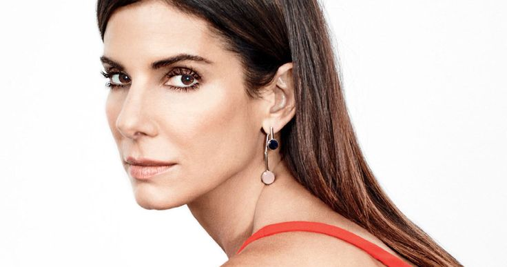 Sandra Bullock to Lead 'Ocean's Eleven' All-Female Reboot -- Sandra Bullock will take over George Clooney's role in an all-female remake of 'Ocean's Eleven', which Clooney will produce. -- http://movieweb.com/oceans-eleven-reboot-female-sandra-bullock/