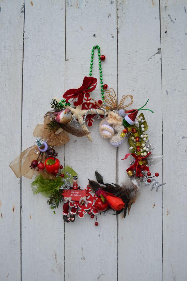 Make a cute trinket wreath like Joanne