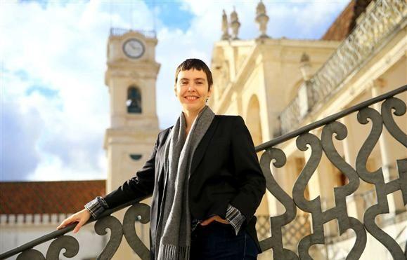 """Universidade - Adriana Calcanhotto: """"Larguei tudo no Brasil para viver essa maravilha"""""""