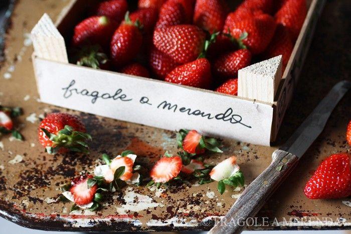 FRAGOLE A MERENDA; una cucina, un blog, un libro