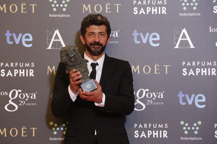 """Premio """"mejor director"""" Alberto Rodríguez, por 'La isla mínima'.  #goya2015 #federopticos #premiados"""
