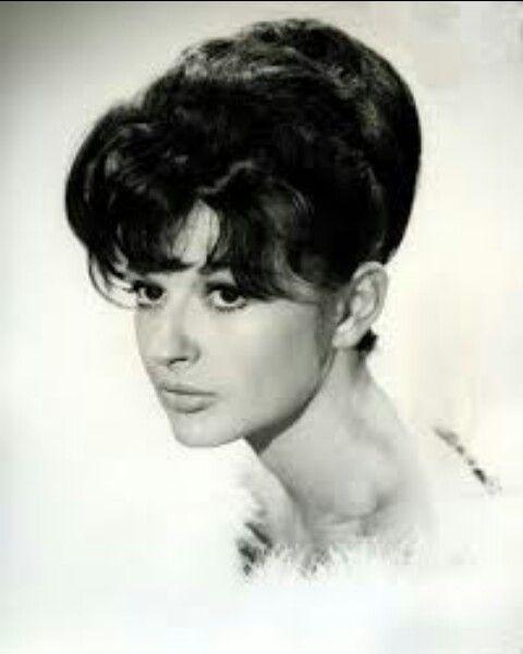 Jennifer Jayne was so so beautiful, she was brilliant in Norman Wisdom's 'On The Beat'