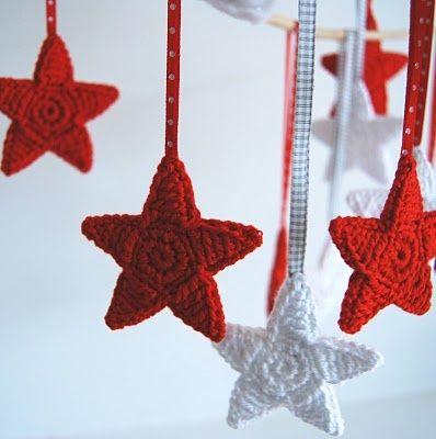 crochet DIY christmas ornaments.