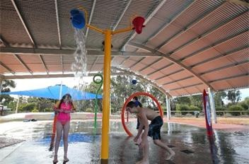 water park - BIG4 Deniliquin caravan and camping park family fun activities