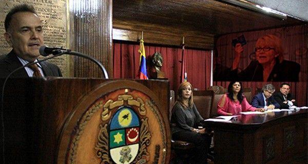 DEL DICHO AL HECHO… Colegio de Abogados de Caracas insta a la Fiscal  a ejercer acciones sobre su pronunciamiento