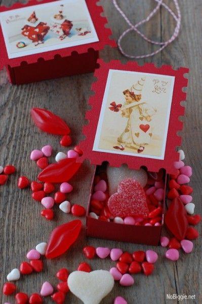 Make an adorable vintage valentine matchbox ● DIY  Nobiggie.net #freeprintable