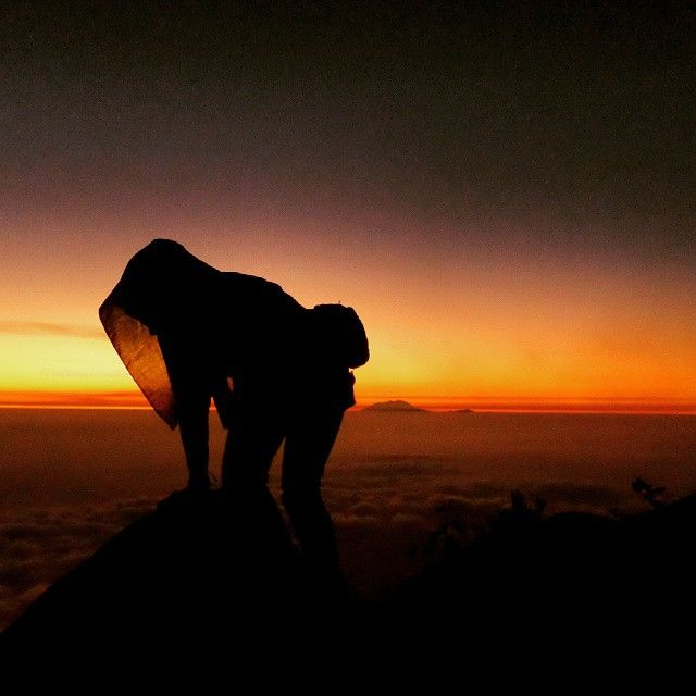 i may cryruining my makeup wash away all the things you've taken i don't care if i don't look pretty big girls cry when their hearts are breaking Big Girls Cry - Sia  Matahari Terbit Gunung Merapi 31 Agustus 2014  #merapimountain #barameru #mountainesia #lingkarindonesia #galeripendakiindonesia #pendakicantik #gunungindonesia #id_pendaki #jejak_pendaki #indomountain #wanderlust #outdoorwomenid #outdoorwomen #mountaingirls #humountains #pecandu_ketinggian #paradiseindonesia #wilderness…