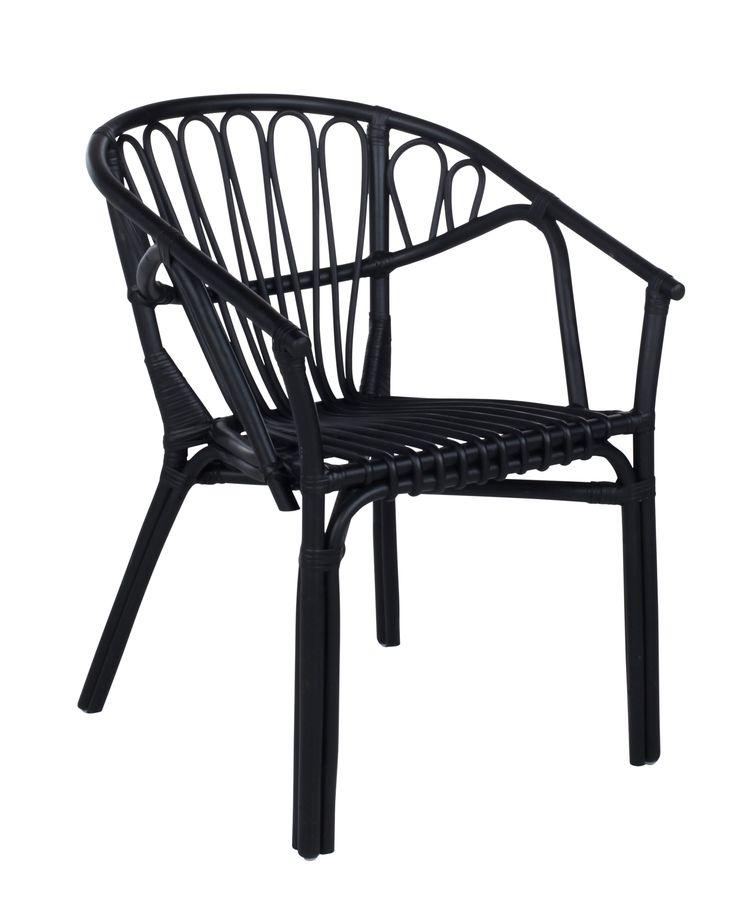 Ambiance bohème et chic avec le fauteuil GOA Rotin noir disponible sur BUT.fr