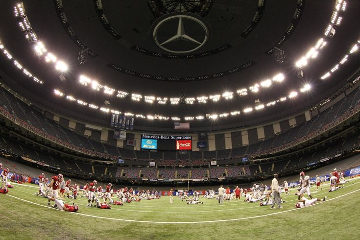 View full sizeAlabama players stretch Thursday before their first practice in the Superdome in New Orleans, Louisiana. (UA photo)
