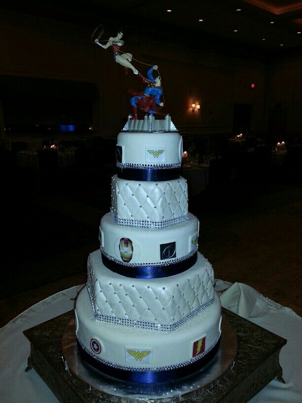comic superhero themed wedding cake chicago comic superhero wedding