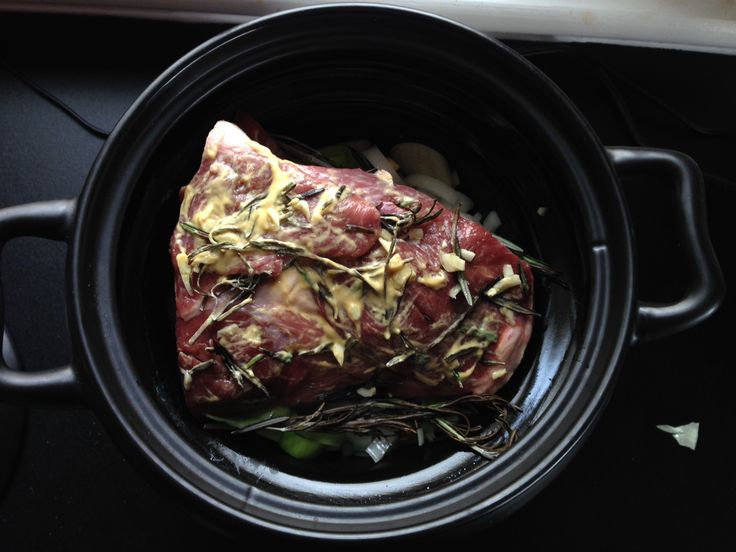 Tips van de slager - Lamsbout in een honing rub gekruid met knoflook en rozemarijn   Spoelder