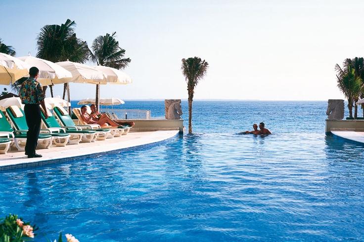 Hotel Riu Cancun 5* All Inclusive - Infinity Pool | View Details!