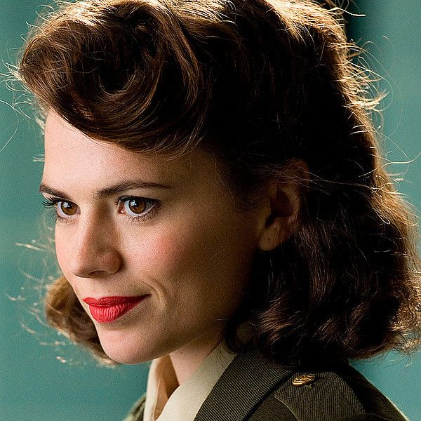 Hayley Atwell Wants to Return in 'Marvel's Agent Carter' TV Series ❤ liked on Polyvore featuring marvel, icons, peggy carter, backgrounds and hair