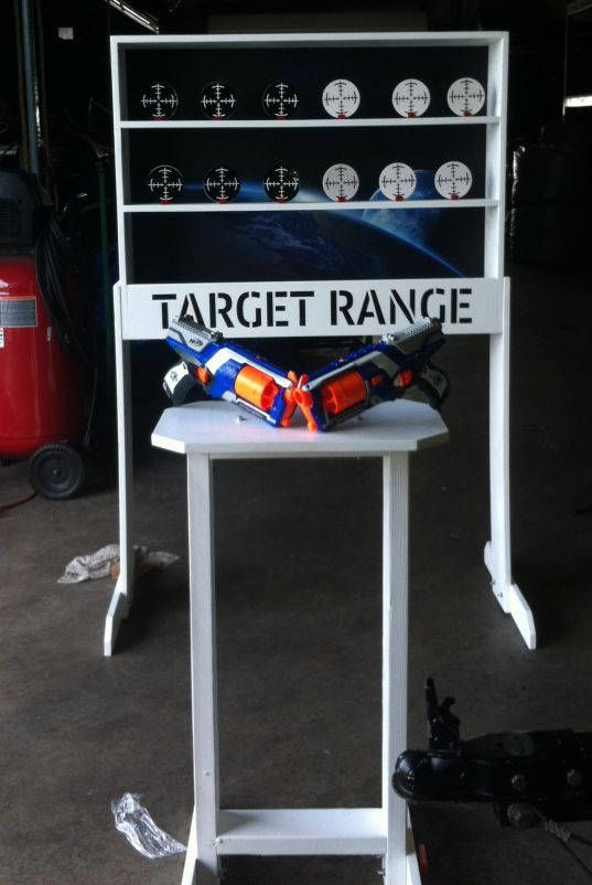 Truly a Carnival Classic! Compatible with cork guns, Nerf guns or toy crossbows, this shooting gallery will be the hit of your event! Measures roughly 40x30 inches and comes complete with 12 targets, and a Nerf gun. Choose the option that suits your budget and situation: Tabletop,