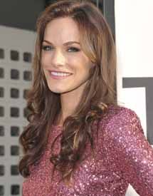 Kelly Overton Age, Height, Weight, Net Worth, Measurements