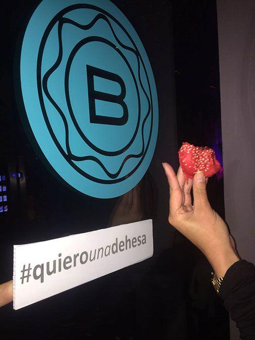 Nuestras hamburguesas fueron las protagonistas en una noche fabulosa en Sala Bribón, en Sevilla. Buen ambiente y mejor sabor. #QuieroUnaDehesa #ÑamÑam