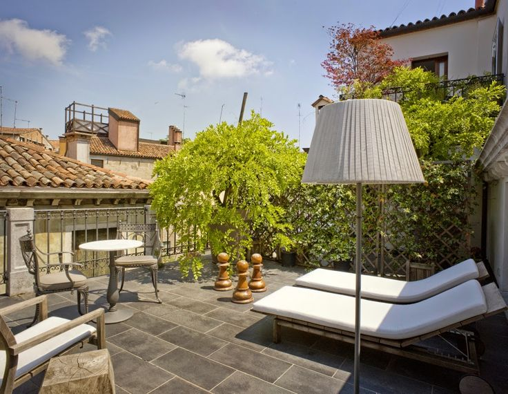 HOME-TROTTER : DESIGN HOTEL: PalazzinaG in Venice.