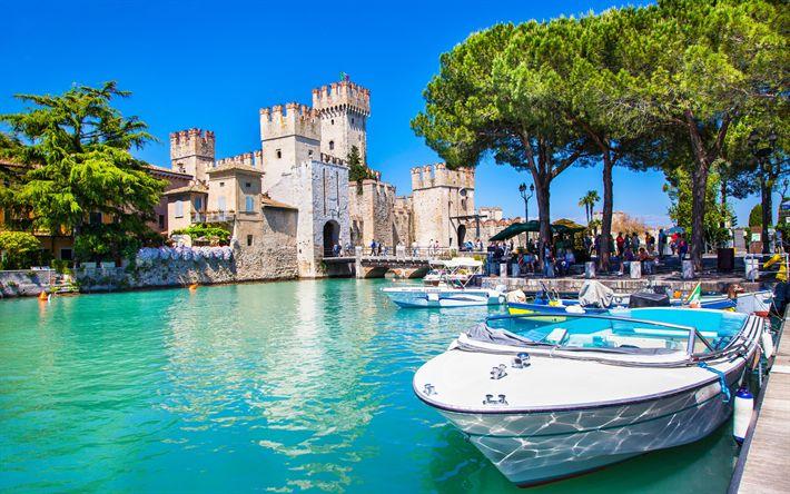 Scarica sfondi Lago di Garda, il Castello Scaligero, il lago di Garda, barche, estate, Italia