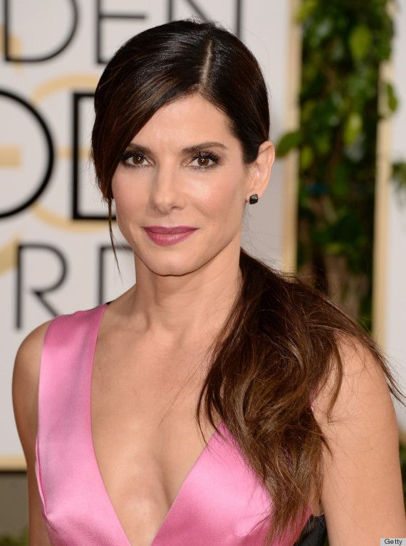 Sandra Bullock shows us how the trend for ponytails isn't only reserved for pyjama days. The go-to hair style is officially sophisticated!