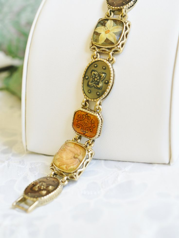 Special Presents For Her Part - 43: Gold Tone With Oval Resin Medallions And Square Print Flowers Decorative  Link Vintage Bracelet, Special. Special Gifts For HerVintage BraceletResins