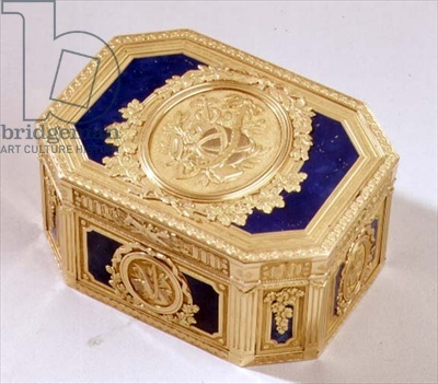 Gold and enamelled snuff box, French 18th century / S.J. Phillips, London, UK / The Bridgeman Art Library