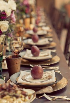 A lovely mix of gray, gold, silver and white turns this tablescape into a stylish and sophisticated modern take on the Christmas table. Description from 212concept.com. I searched for this on bing.com/images
