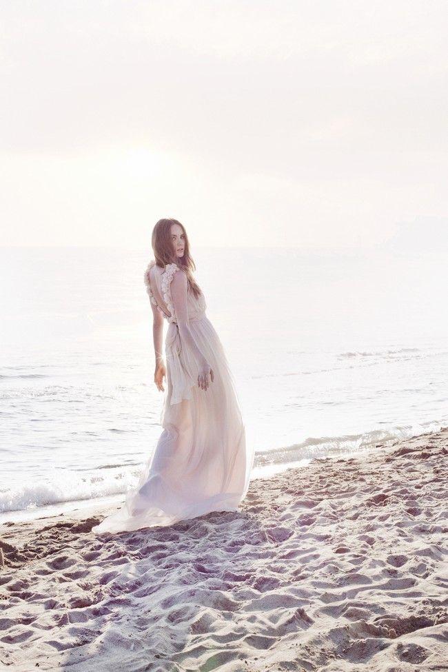 {Adresse} Robe de mariée Leila Hafzi