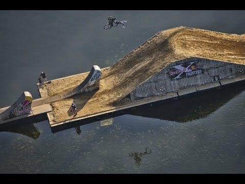 First ever FLOATING freestyle motocross course - Red Bull X-Fighters Mun...