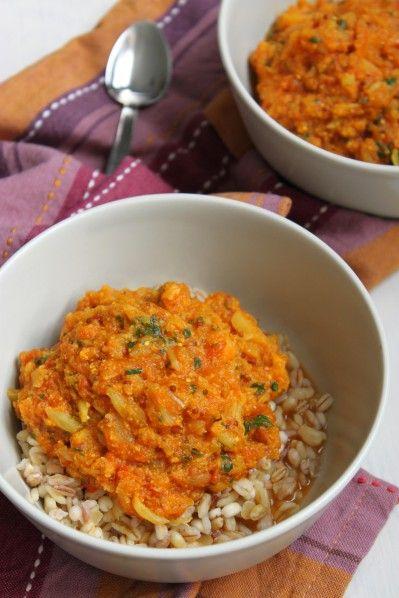 Manger du chou-fleur, à part en gratin avec la traditionnelle béchamel... Ici le chou-fleur est cuisiné à l'indienne, avec de bonnes épices (le curcuma est excellent pour la santé !), une bonne manière de le consommer...