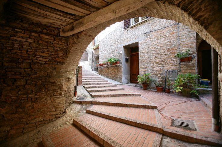 Fossato di Vico (PG)   #AltaUmbria #Umbria