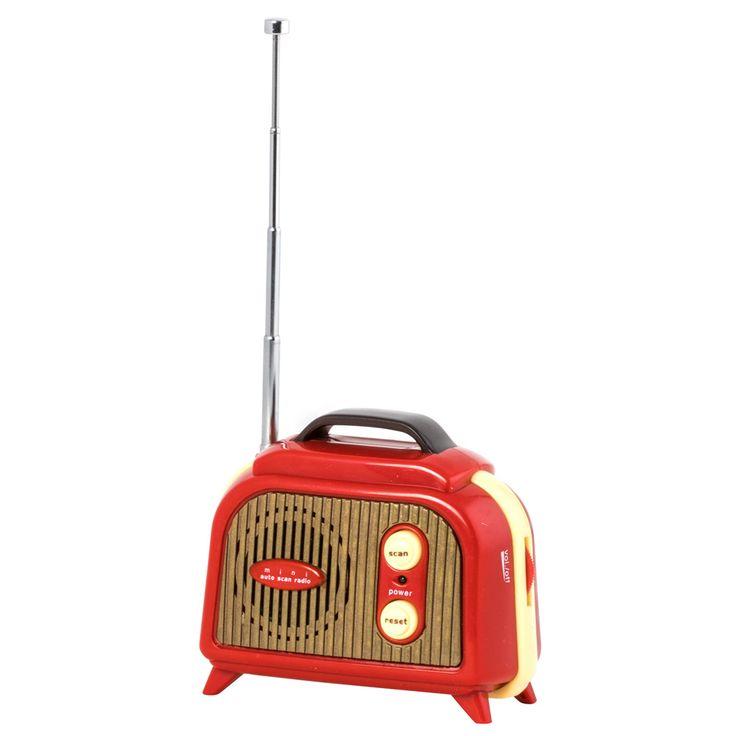 Radio portátil, requiere 2 pilas AA (no incluidas).
