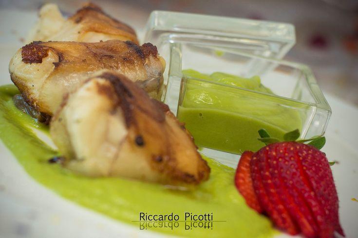 Coda di Rospo Lardellata Su Purea di Asparagi Verdi