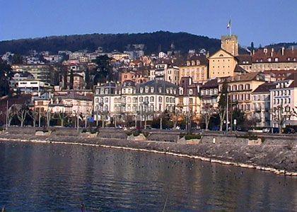 Le lac de Neuchâtel, le plus grand lac entièrement suisse ! Source: http://www.coucoulasuisse.com/neuchatel.html