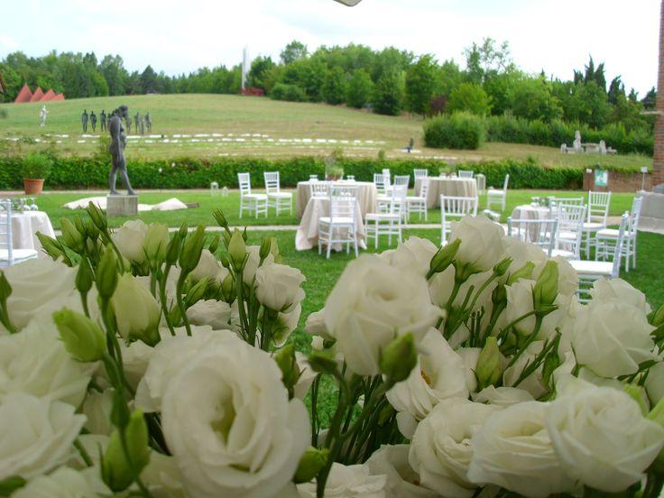 Tra le rose, larte e gli sposi - Matrimonio Bologna (Ca la Ghironda)
