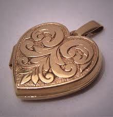 Antique Gold Locket Victorian Art Nouveau Vintage Heart