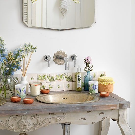 Country bathroom with vintage wash stand | Bathroom decorating | Country Homes & Interiors | Housetohome.co.uk