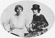 Natalie Barney and Romaine Brooks, circa 1915.