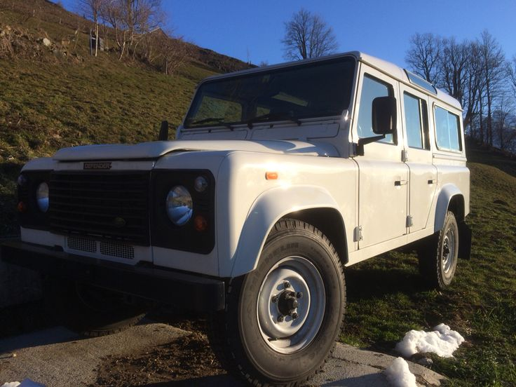 Snow White sort of, Defender td5 2004 330000km  no rust its a keeper