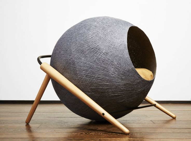 meyou has created a line of three loungers that bring together curved and straight lines, creating a cozy cocoon for cats.