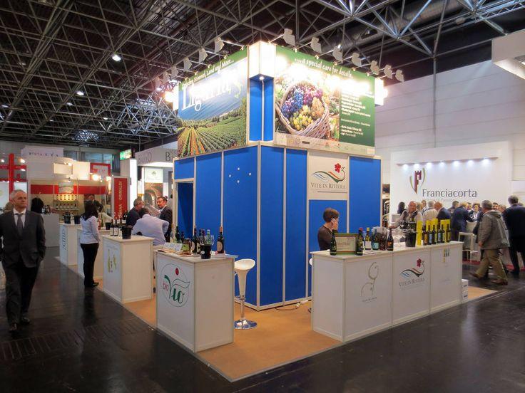 Prowein - Düsseldorf: VITE IN RIVIERA. Ricerca, analisi, promozione e comunicazione. Progettazione e realizzazione dell'allestimento dello stand. Photo by honegger