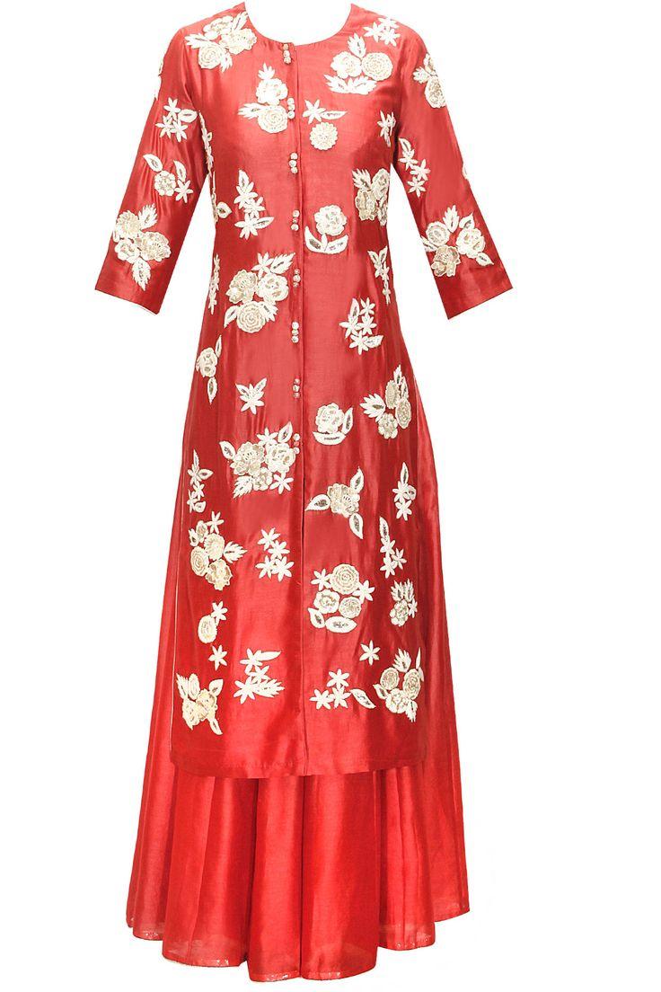 Cherry floral embroidered kurta with lehenga by Saumya&Bhavini Modi. Shop now: www.perniaspopupshop. #kurta #lehenga #saumya&bhavinimodi #stylish #clothing #ethnic #shopnow #perniaspopupshop #happyshopping