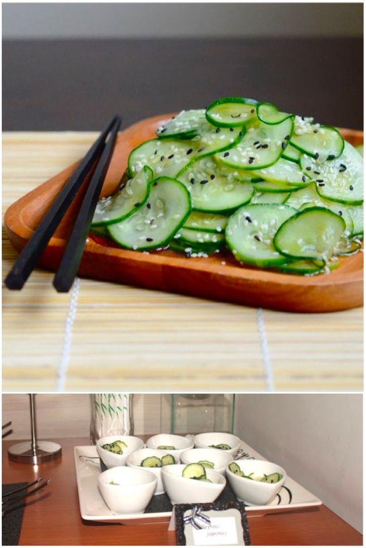 Hoje a dica é pepino japonês. Esse pepino japonês agridoce, roubado da culinária japonesa é delicioso e pode ser usado em muitas situações. Aqui eu usei no meu aniversário, na mesa de saladas, con…