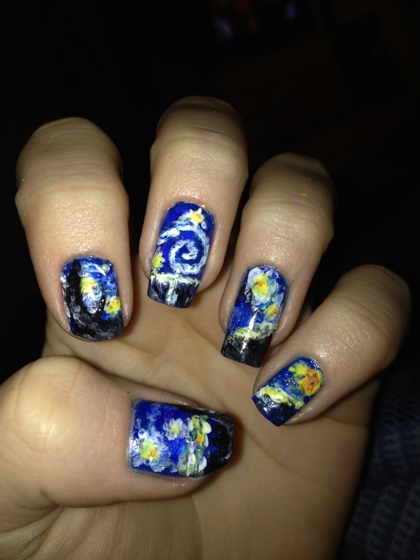 SO cool! Van Gogh's Starry Night nails!