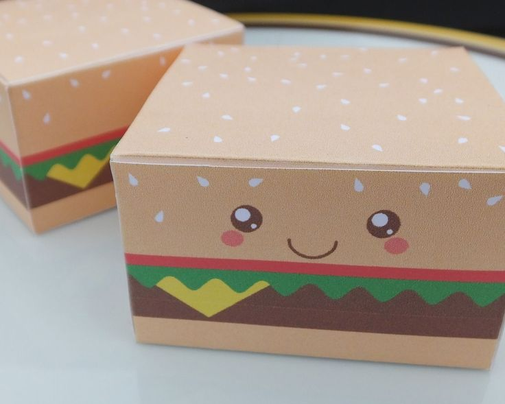 Print and make this cute cheeseburger gift box! #printables #papercrafts