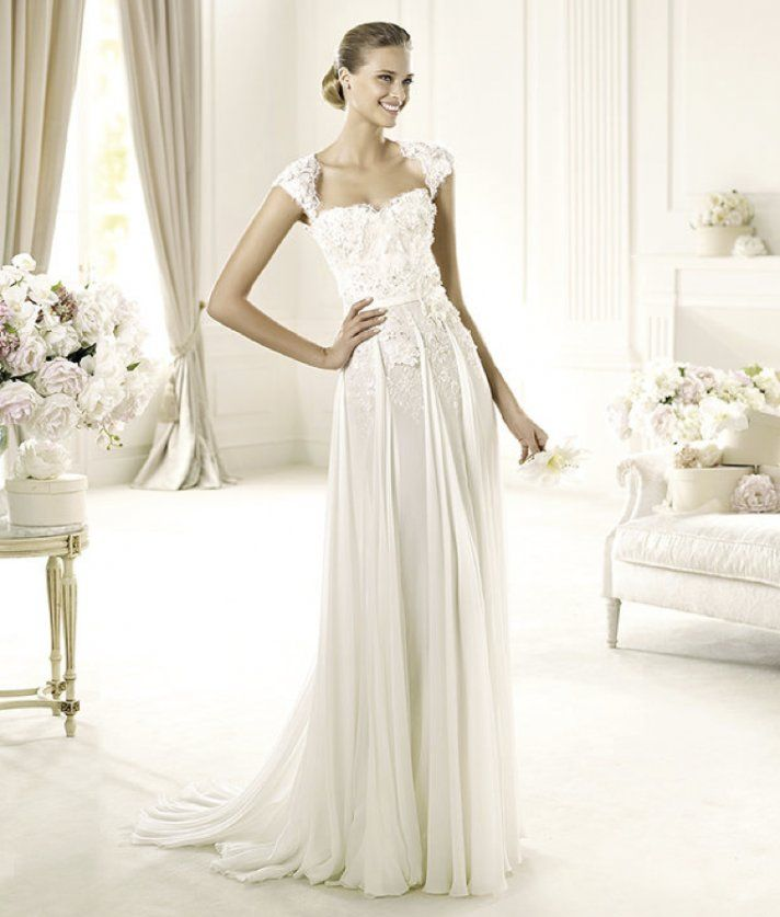 Love how the folds come off the waist ...    Elie Saab's Extraordinary 2013 Collection for Pronovias Elie